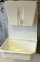 Дачный умывальник навесной ЭлБЭТ с водонагревателем Чистюля 17 л, пластиковая мойка код 101778